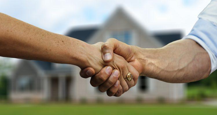 Encuesta revela alto interés por comprar viviendas: tener jardín o terraza es la prioridad